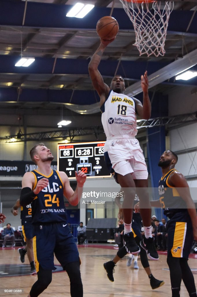 DeQuan Jones #18 of the Fort Wayne Mad Ants handles the ball during the NBA G-League Showcase Game 23 between the Salt Lake City Stars and the Fort Wayne Mad Ants on January 13, 2018 at the Mississauga SportZone in Mississauga, Ontario Canada.