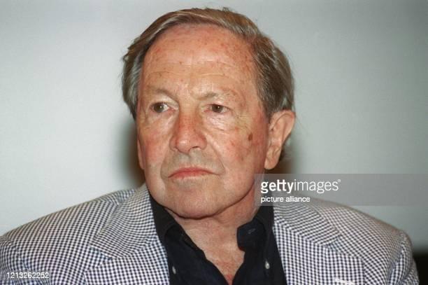 Der amerikanische Maler Robert Rauschenberg, aufgenommen am 26.6.1998 in Köln auf einem Pressetermin anläßlich der Eröffnung einer Ausstellung seiner...