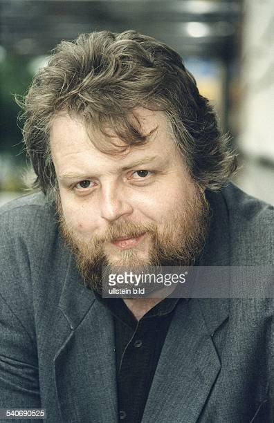 Der aus der ehemaligen DDR stammende Schriftsteller und Publizist Lutz Rathenow Aufgenommen um 06/1997