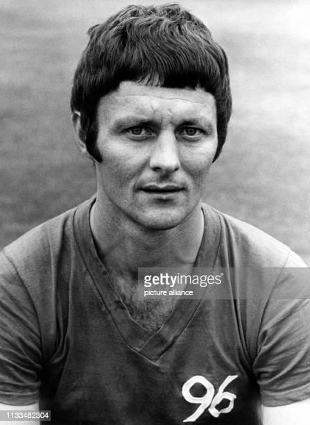 Der aus Jugoslawien stammende Fussballspieler Cvezdan Cebinac. Aufnahme vom Juli 1970. Foto: Wolfgang Weihs dpa