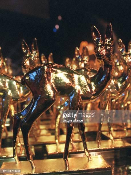 Der Bambi , der älteste deutsche Medienpreis, hat seinen 50sten Geburtstag mit einer großen Jubiläumsgala gefeiert. Rund 700 Gäste aus Showbusiness,...