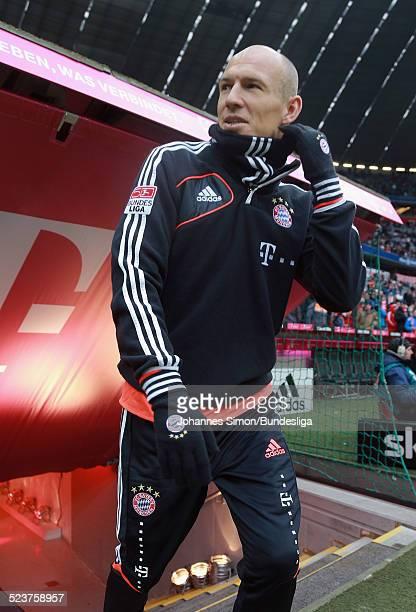 Der BayernSpieler Arjen Robben verlaesst das Spielertunnel zum AufwaermTraining vor dem Bundesligaspiel FC Bayern Muenchen gegen die SpVgg Greuther...