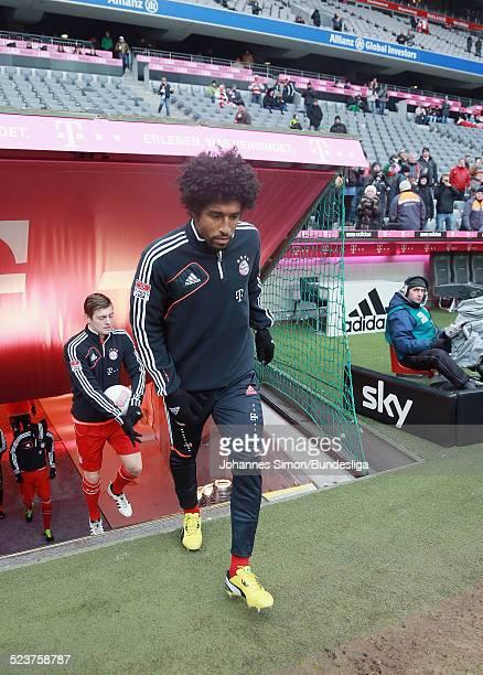 Der BayernSpieler Dante verlaesst das Spielertunnel zum AufwaermTraining vor dem Bundesligaspiel FC Bayern Muenchen gegen die SpVgg Greuther Fuerth...