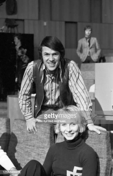 Der belgische Schlagersänger Salvatore Adamo mit seiner Frau Nicole Deutschland 1969