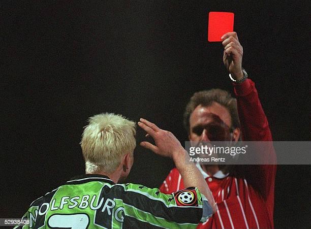 1 BUNDESLIGA 98/99 Wolfsburg VFL WOLFSBURG BORUSSIA DORTMUND 00 Roy PRAEGER/Wolfsburg Schiedsrichter HansJoerg WEBER Die 1000 ROTE KARTE der...