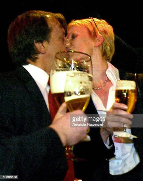 Der COLOR LINE ARENA 2002, Hamburg; INVESTOR Harry HARKIMO und Ehefrau LENA