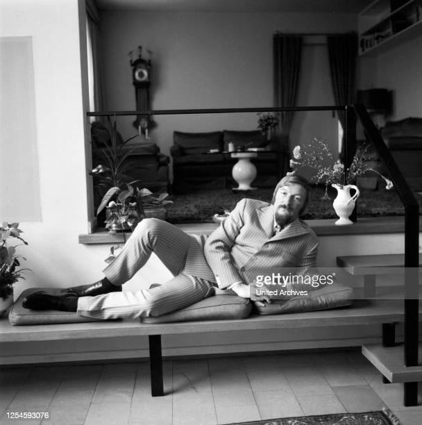 Der deutsche Bandleader, Komponist, Arrangeur und Musikproduzent James Last, Ende der 1960er Jahre.