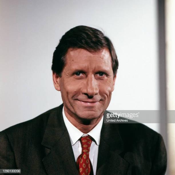 Der deutsche Journalist und Autor Ulrich Wickert, Deutschland 1980er Jahre.