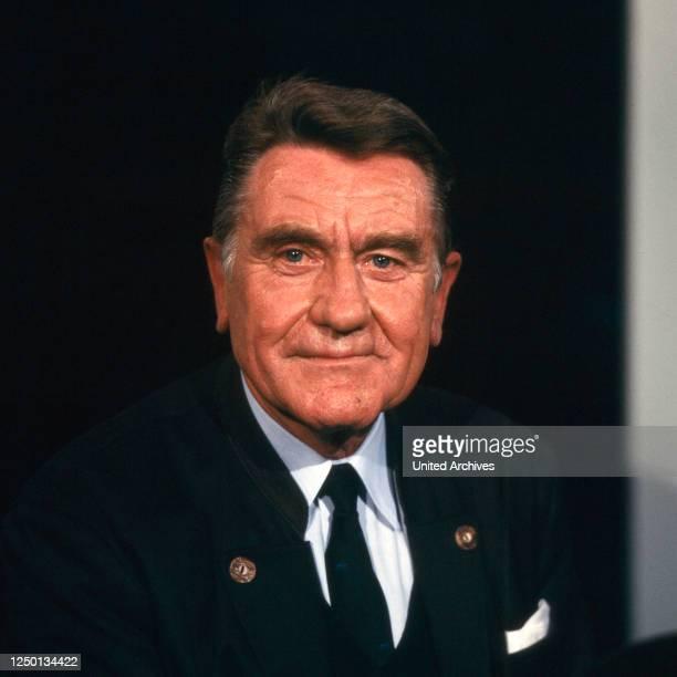Der deutsche Jurist und Münchener Polizeipräsident Dr Manfred Schreiber, Deutschland 1980er Jahre.