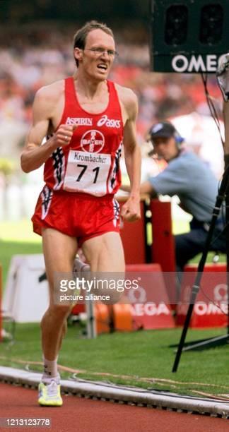 Der deutsche Leichtathlet Dieter Baumann der unermüdliche Vorkämpfer für einen sauberen Sport steht plötzlich selbst unter dringendem Dopingverdacht...