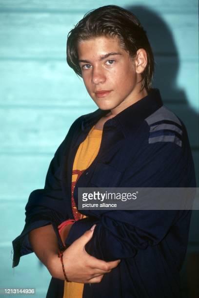 Der deutsche Nachwuchsschauspieler Philipp Danne aufgenommen bei Dreharbeiten zu dem TVFilm Das Delphinwunder im Dezember 1998 in Florida