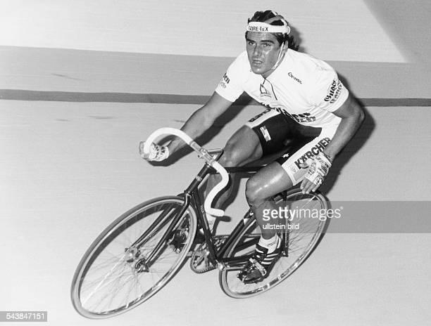Der deutsche Radsportler Andreas Kappes während eines Bahnrennens Undatiertes Foto