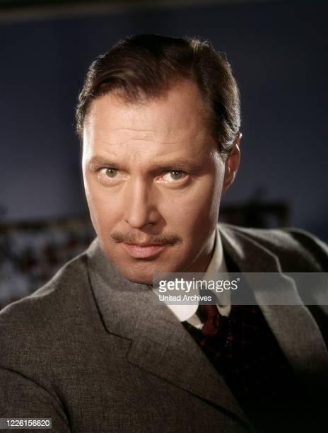 Der deutsche Schauspieler IVAN DESNY Studioaufnahme 1956