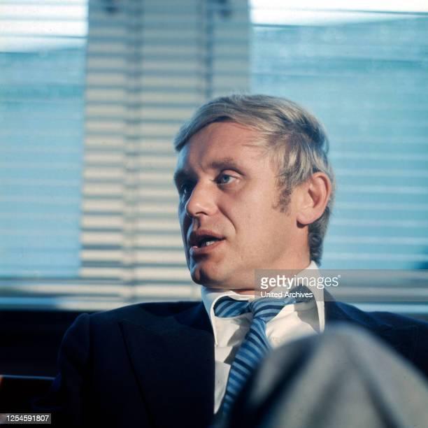 Der deutsche Schauspieler, Synchron- und Hörspielsprecher Horst Frank im Interview, Ende 1960er Jahre.