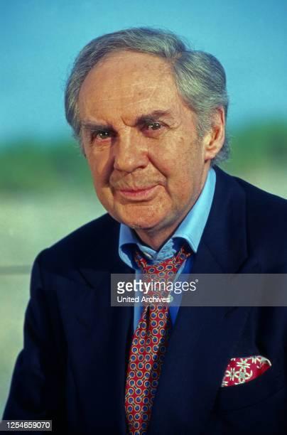 Der deutsche Schauspieler und Entertainer Harald Juhnke, Deutschland 1990er Jahre.