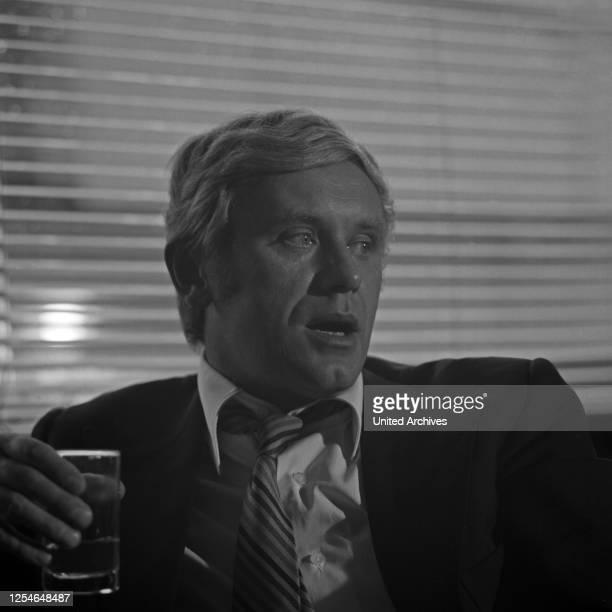 Der deutsche Schauspieler und Hörspielsprecher Horst Frank, Deutschland 1960er Jahre.