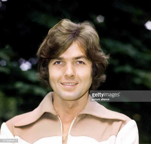 Der deutsche Schlagersänger Chris Roberts . Porträt aus dem Jahre 1973.