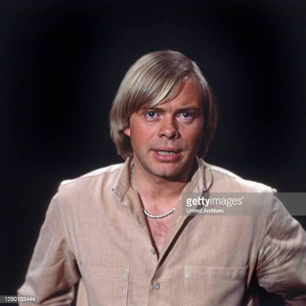 Der deutsche Sänger, Schauspieler und Synchronsprecher Volker Lechtenbrink, Deutschland 1970er Jahre.