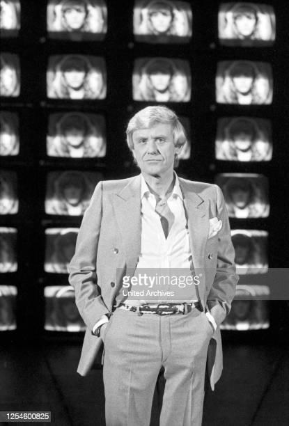 Der deutsche Sänger und Schauspieler Horst Frank in der ZDF Musiksendung Starparade am 20 Dezember 1979.