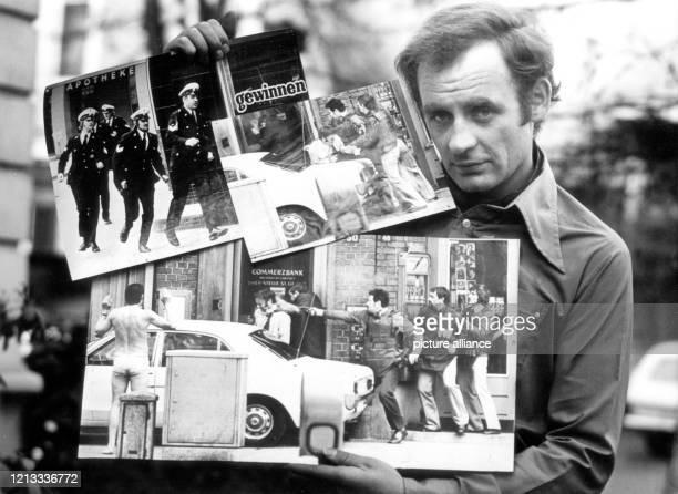 Der dpaFotograf Werner Baum zeigt am 631975 in Hamburg die von ihm fotografierte BilderFolge von einem Banküberfall mit Geiselnahme für die er mit...