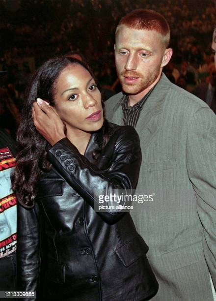 Der dreimalige WimbledonSieger Boris Becker will mit seiner Frau Barbara nach einem Bericht der BildZeitung vom 2821997 aus Deutschland nach Florida...