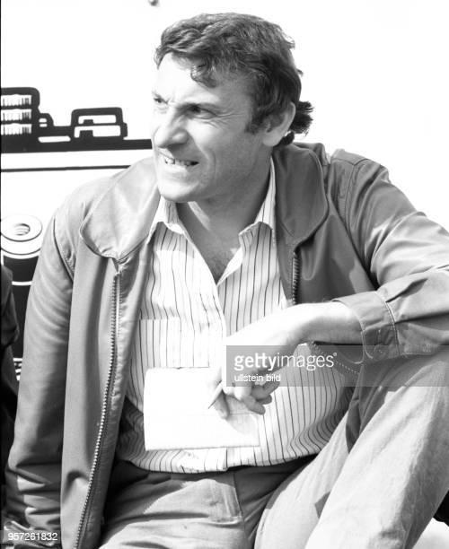Der Dresdner DynamoTrainer Eduard Geyer beim DDRFußballOberligaspiel Dynamo Dresden 1 FC Lok Leipzig im Mai 1987 im heimischen DynamoStadion Geyer...