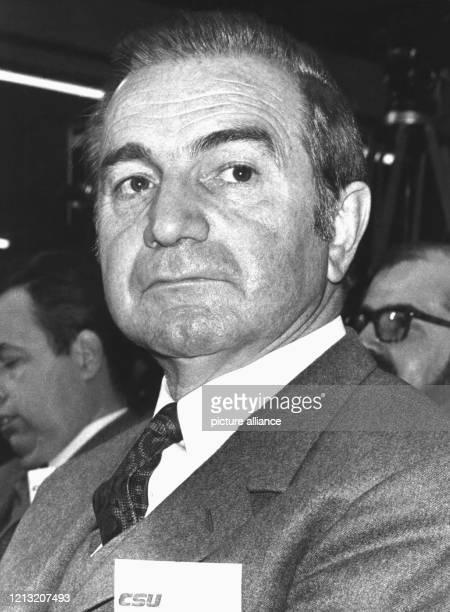 Der ehemalige FDPBundestagsabgeordnete Siegfried Zoglmann am 17 Oktober 1979 auf dem CSUParteitag in München Zoglmann hospitiert jetzt bei der...