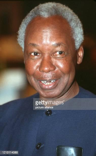Der ehemalige Staatspräsident von Tansania Julius Nyerere aufgenommen am 6 Juni 1991 in Frankfurt am Main Der im März oder April 1922 als eines von...