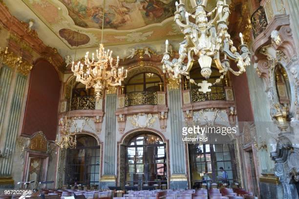 Der Festsaal im Museumsteil vom Schloss Fürstenstein bei Waldenburg Im Zweiten Weltkrieg wurde das Schloss als mögliches Hauptquartier für Hitler...