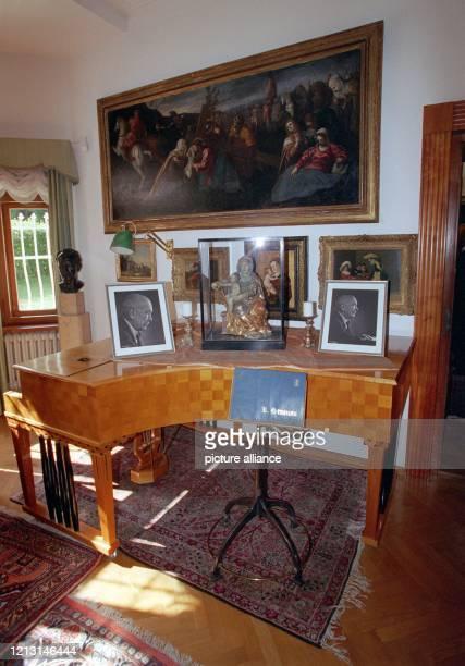 Der Flügel von Richard Strauss in seiner Villa in Garmisch, aufgenommen am 8.9.1999, dem 50. Todestag des Komponisten. 1864 in München geboren,...