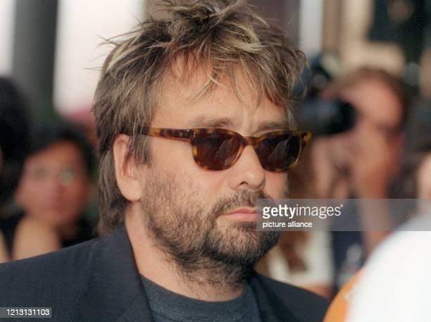 Der französische Regisseur Produzent und Drehbuchautor Luc Besson kommt am 2382000 zur Deutschlandpremiere des neuen Kinofilms Taxi Taxi in den...