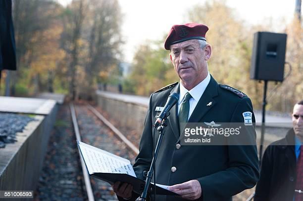 Der Generalstabschef der israelischen Armee Benjamin Gantz anlässlich einer Gedenkzeremonie am Gleis 17 in BerlinGrunewald