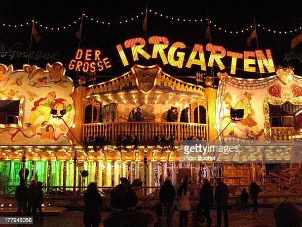 Der große Irrgarten Bremer Freimarkt Bremen Deutschland Europa Volksfest Jahrmarkt Kirmis bei Nacht Nachtaufnahme Beleuchtung Reise