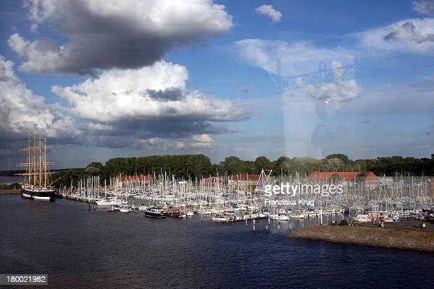 Der Hafen Beim 9 Stechers Stammtisch Auf Der Ms Deutschland In Travemünde