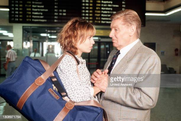 Der Havelkaiser / Leinen los / Richard Kaiser fühlt sich von seiner Tochter Amelie im Stich gelassen. Sie beschließt, zu ihrer Mutter nach London zu...
