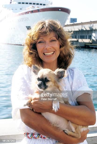 Traumschiff Folge 9 Der Hund Episode 3 MS Astor Puerto Rico/Karibik Schauspielerin Meer Hafen Schiff Kreuzfahrt Hund Tier Uralub Kreuzfahrtschiff...