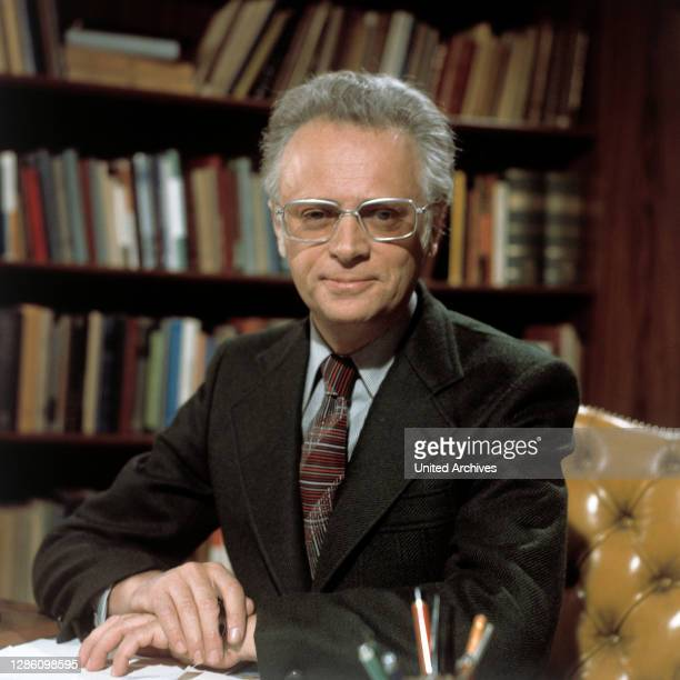 Der israelische Schrifsteller Ephraim Kishon galt als erfolgreichster Autor der Gegenwart. Mit einer weltweiten Auflage von 43 Millionen Büchern war...