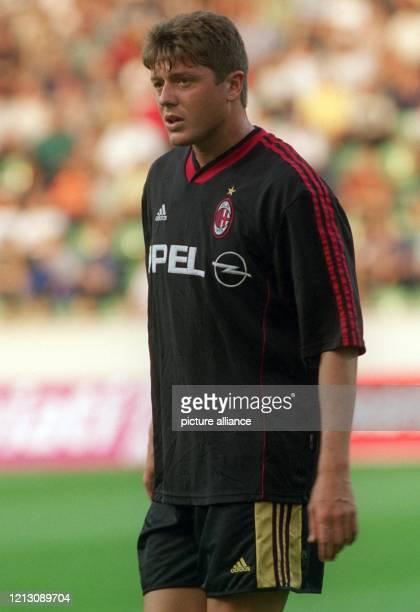 Der italienische Mittelfeldspieler Pierluigi Orlandini, aufgenommen am 6.8.1999 in der Leverkusener BayArena beim Fußball-Freundschaftsspiel seines...