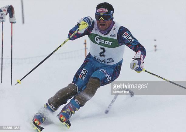 Der italienische Skisportler Alberto Tomba beim Slalom Undatiertes Foto Eingang ins Fotoarchiv 1995