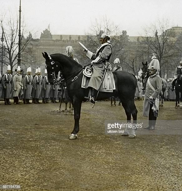 1859 1941 Der Kaiser verliest den Armeebefehl