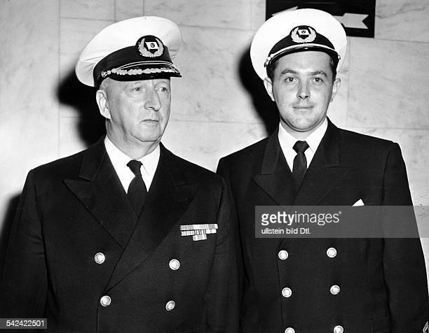 Der Kapitän der 'Stockholm' Gunnar Nordensen mit dem 3 Offizier Ernest CarstensJohannsen beide gehörten zur Zeit des Zusammenstoßes ihres Schiffes...