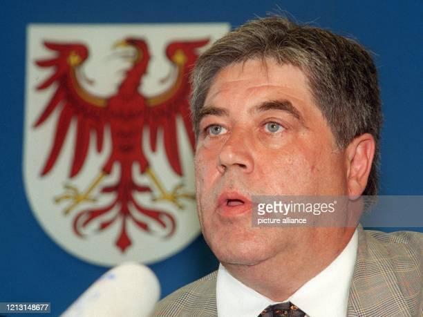Der künftige Abgeordnete der Deutschen Volks Union im Brandenburger Landtag, Sigmar-Peter Schuldt, sitzt am 6.9.1999 in Potsdam auf einer...