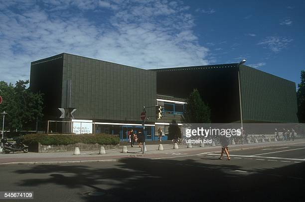Der Kupferbau ein Hörsaalgebäude der Universität 2001