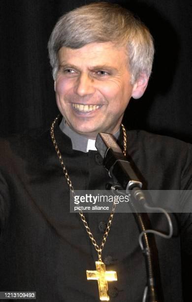 Der Landesbischof der EvangelischLutherischen Kirche in Bayern Johannes Friedrich aufgenommen am 2432000 bei der Eröffnung der sechstägigen...