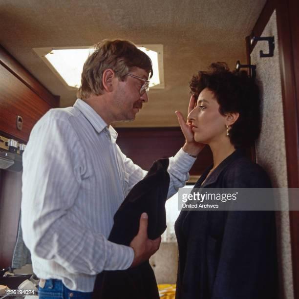 Der Mann, der keine Autos mochte, Fernsehserie, Deutschland 1984, Folge Natur pur, Darsteller: Ralf Schermuly, Andrea Bürgin