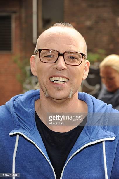 """Der Musiker, Sänger und Moderator Thomas D bekannt als Mitglied der """"Fantastischen Vier"""", posiert in Köln bei einem Fototermin zur Fernsehsendung..."""