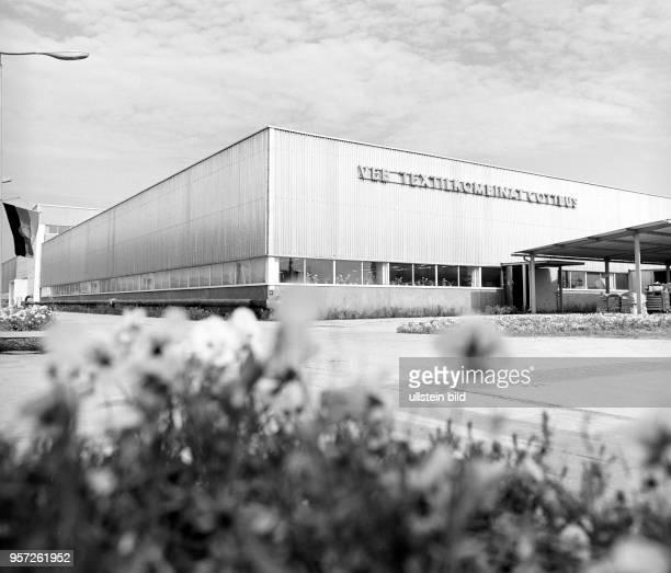 Der neue VEB Textilkombinat Cottbus wurde Ende der 1960er Jahre als moderne Produktionsstätte errichtet undatiertes Foto von 1970 Hier wurde...