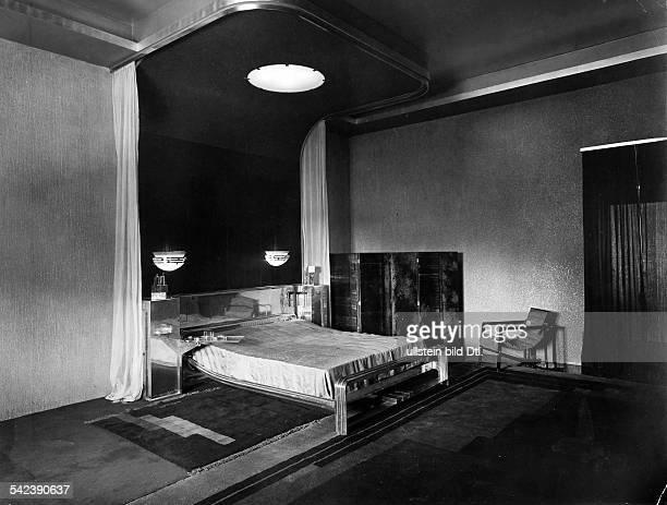 Der neue Wohnpalast des Maharadschas erbaut von Eckart Muthesius Das Schlafzimmer 1933 Aufnahme Eckart Muthesius veroeffentlicht 'BIZ' 46/1933