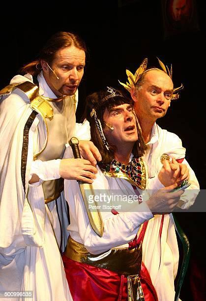 """Der Obel, Guildo Horn , Tom Zahner , Theaterstück: """"Shakespeares sämtliche Werke"""" - """"Julius Cäsar"""", , Capitol, Theater Düsseldorf, Deutschland,..."""