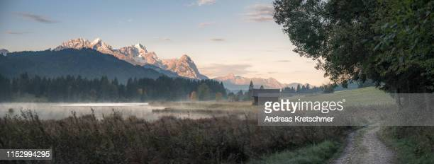 der pfad - bayern stock pictures, royalty-free photos & images